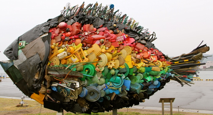 Chinu – the Black Sea Bream of Uno by Yodogawa-Technique. Made from garbage retrieved from a nearby river. Uno Port.